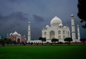 agra-red-tent-india-tour