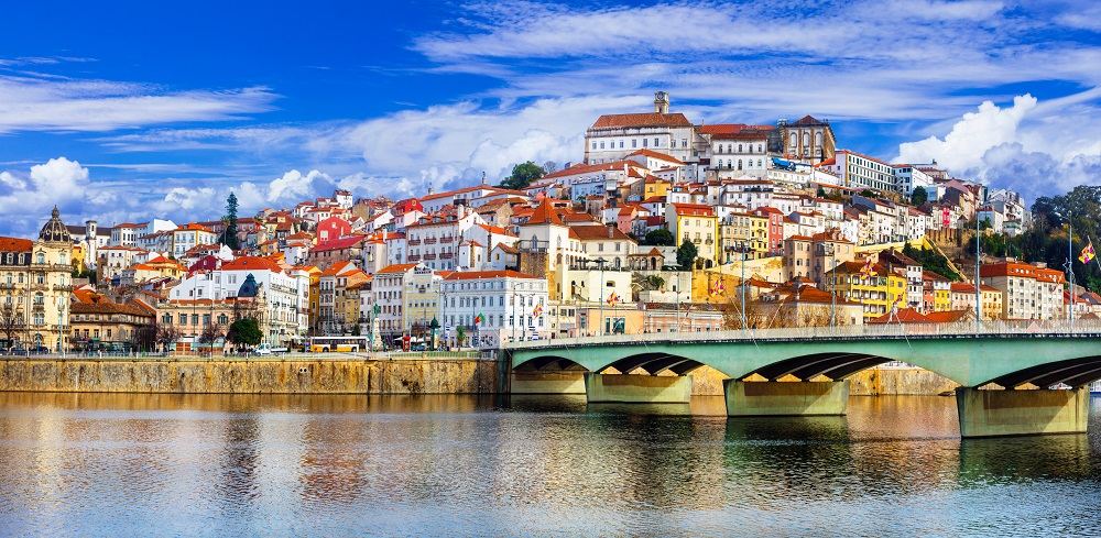 Tour transfer between Lisbon & Porto via Tomar